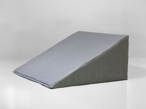 Medical wedge pillow